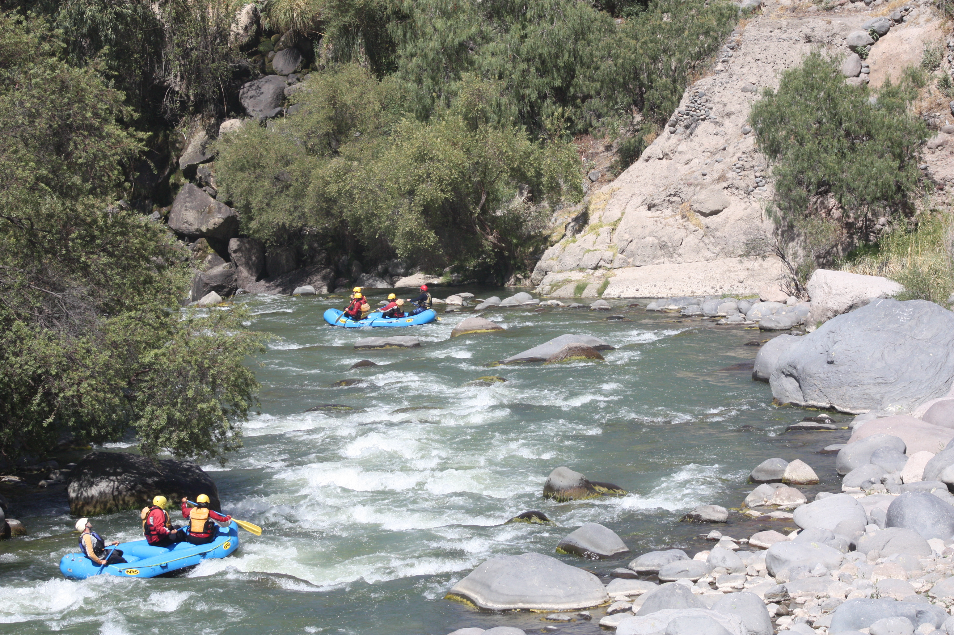 rafting on the rio chili in arequipa peru top things to do in peru best outdoors sports in peru