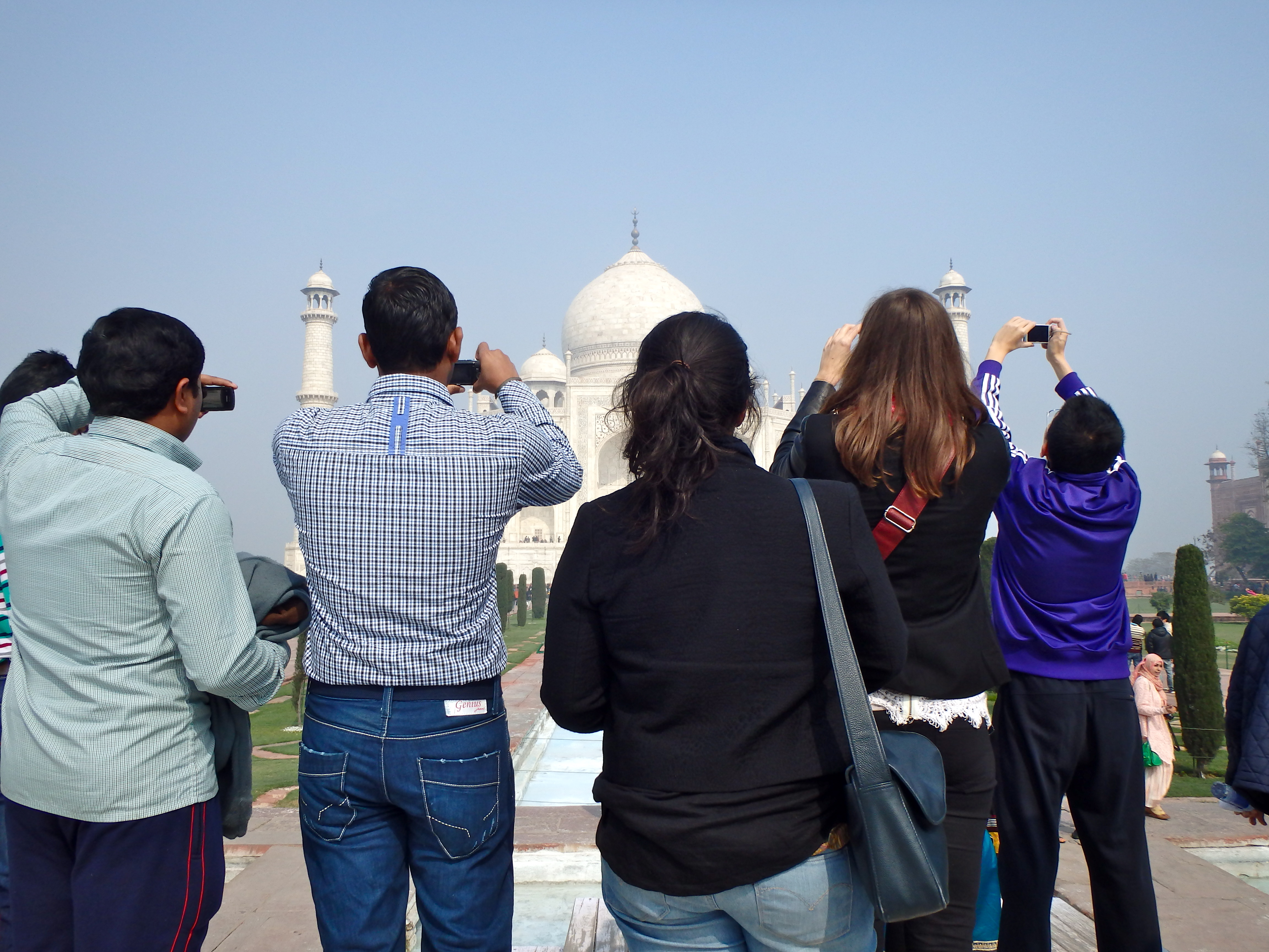 Are there monkeys at the Taj mahal travel blog best places to see the taj mahal where to photograph the taj mahal