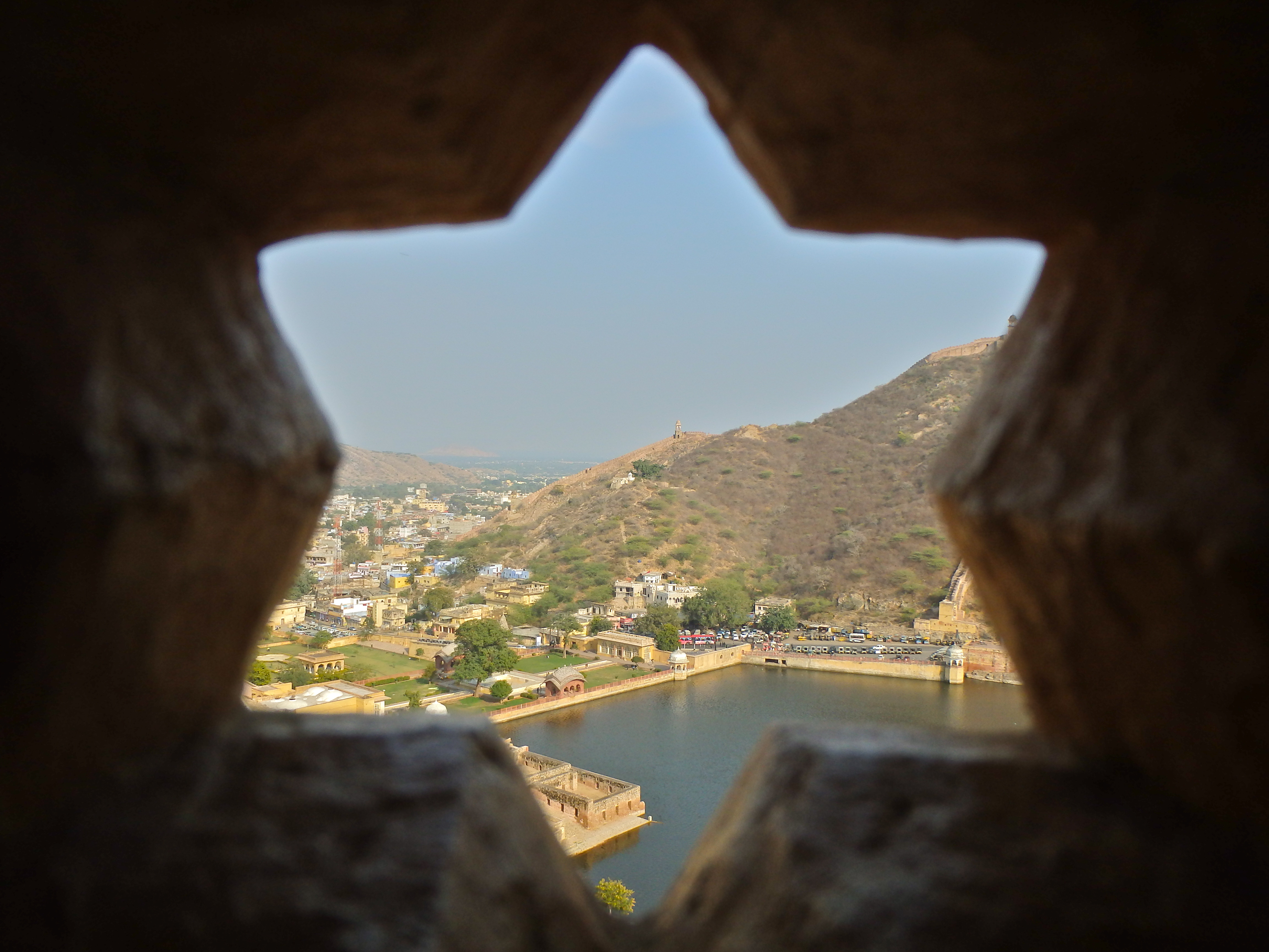 View from the Amber Fort, Jaipur, India what to see in jaipur in one day how to visit the amber fort in jaipur is jaipur safe for women travellers?