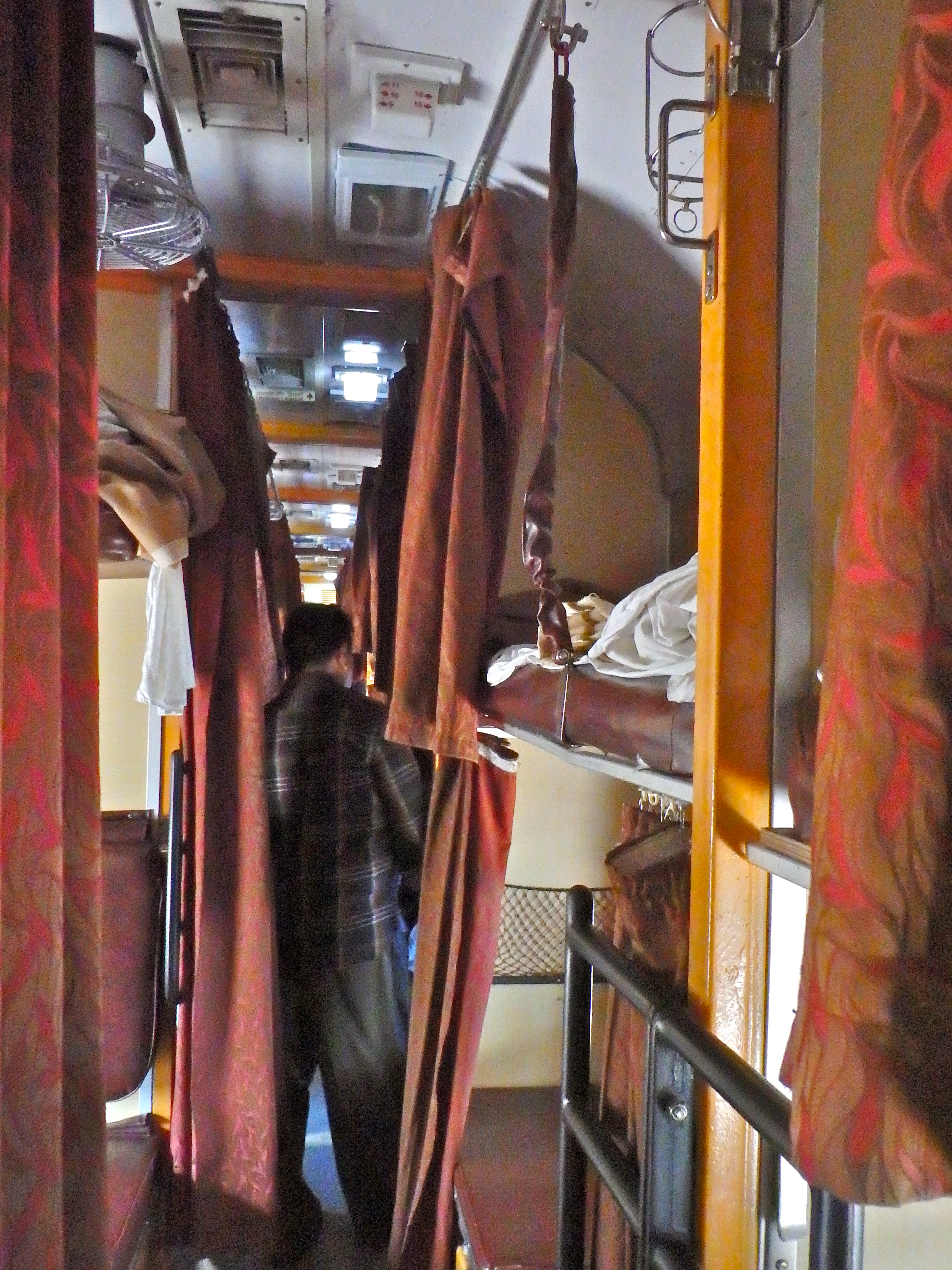 riding the train in india how to get around india how do you get around india