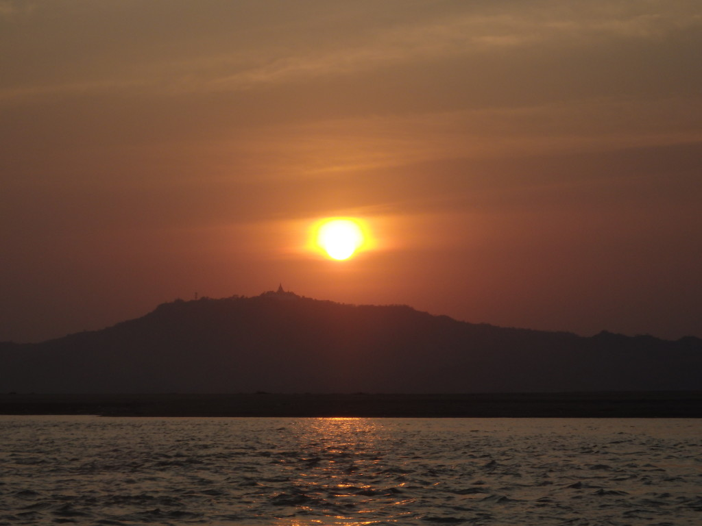 top attractions in Bagan Myanmar sunset river cruise in bagan best things to do in bagan