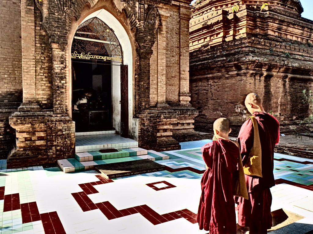 temples of Bagan, Burma travel blog top things to see in myanmar bagan travel blog
