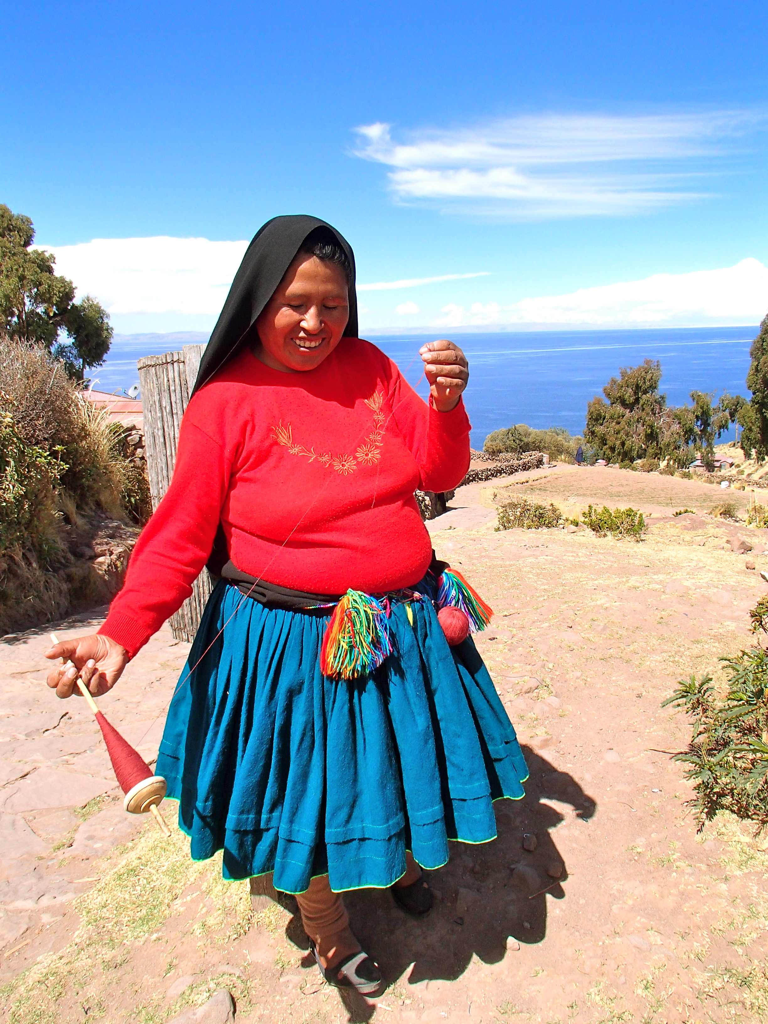 day trip to Isla Taquile, best things to do in lake titicaca peru