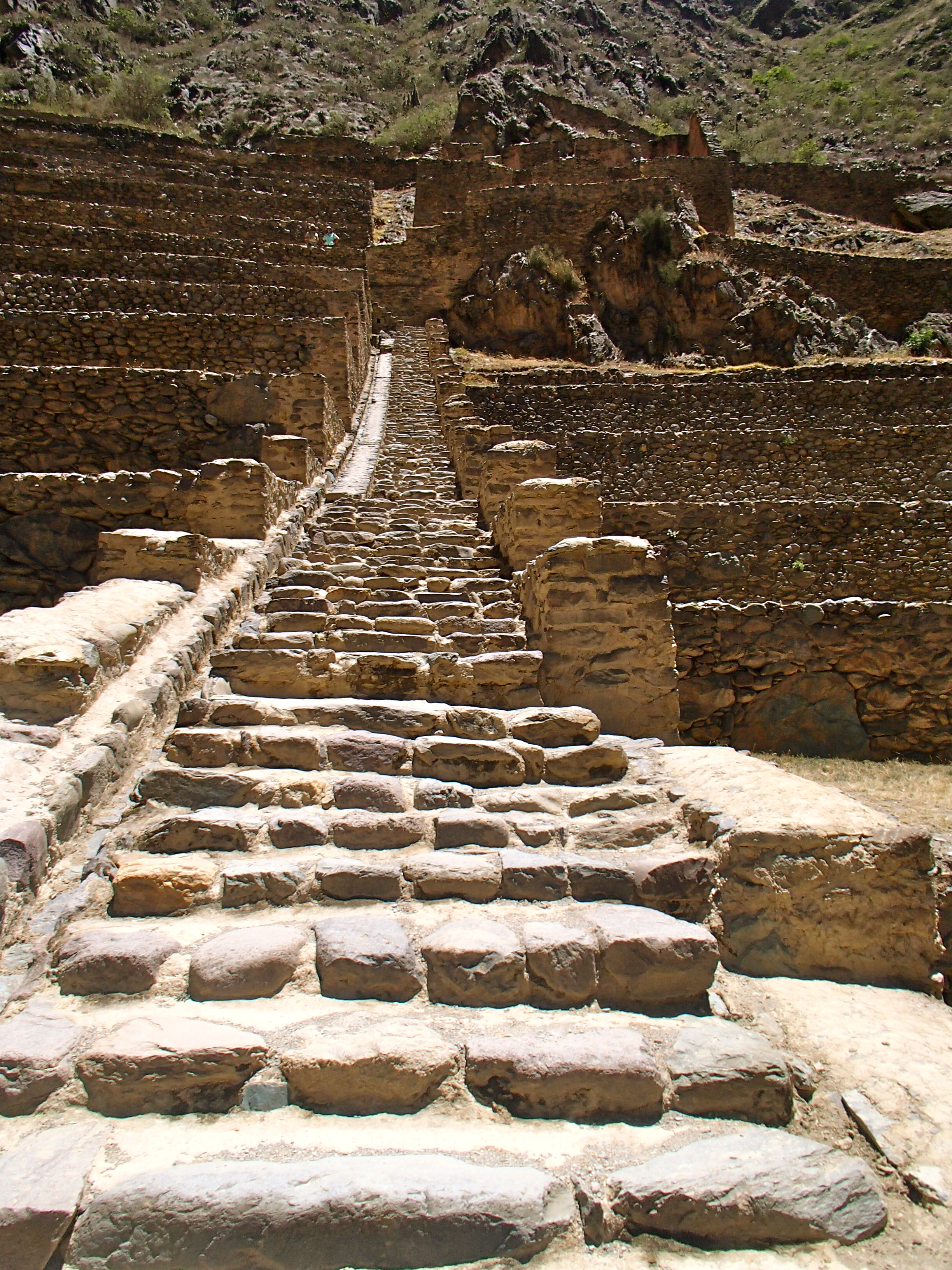 visiting ollantaytambo anciet site cusco peru travel blog best attractions in peru