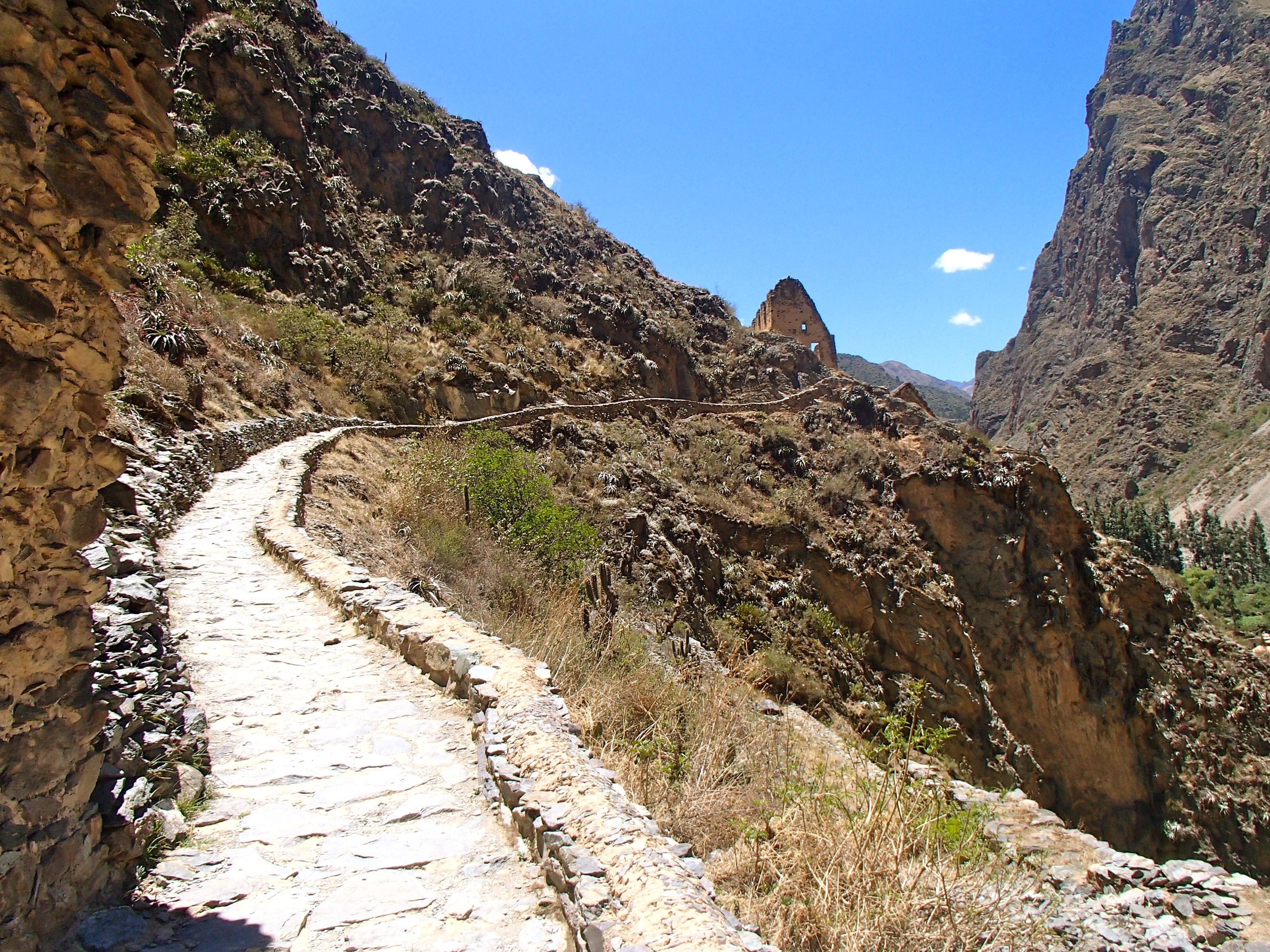 things to do near cusco peru ollantaytambo ruin site
