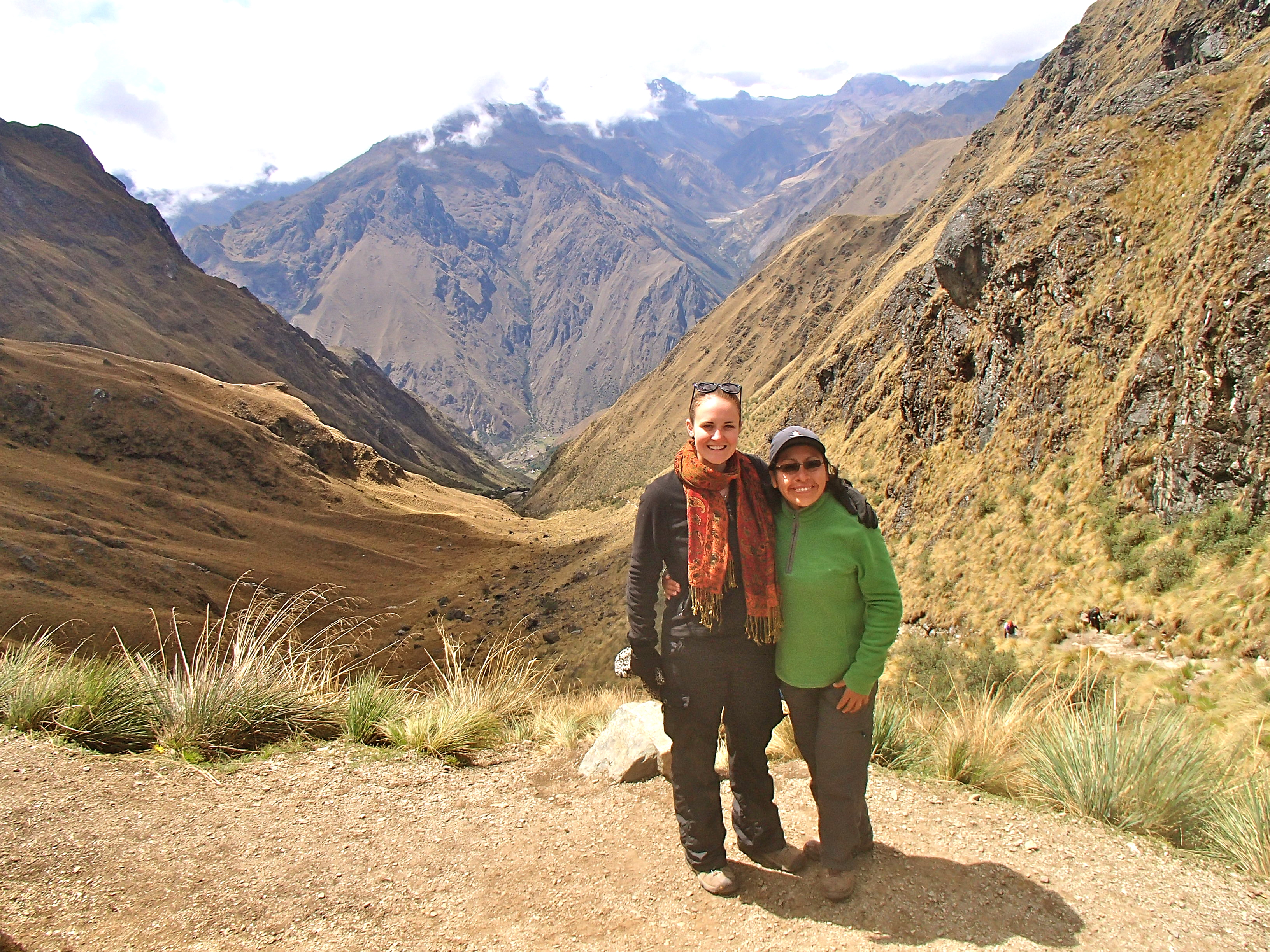 female guide on the inca trail hiking the inca trail for women Machu Picchu altitude
