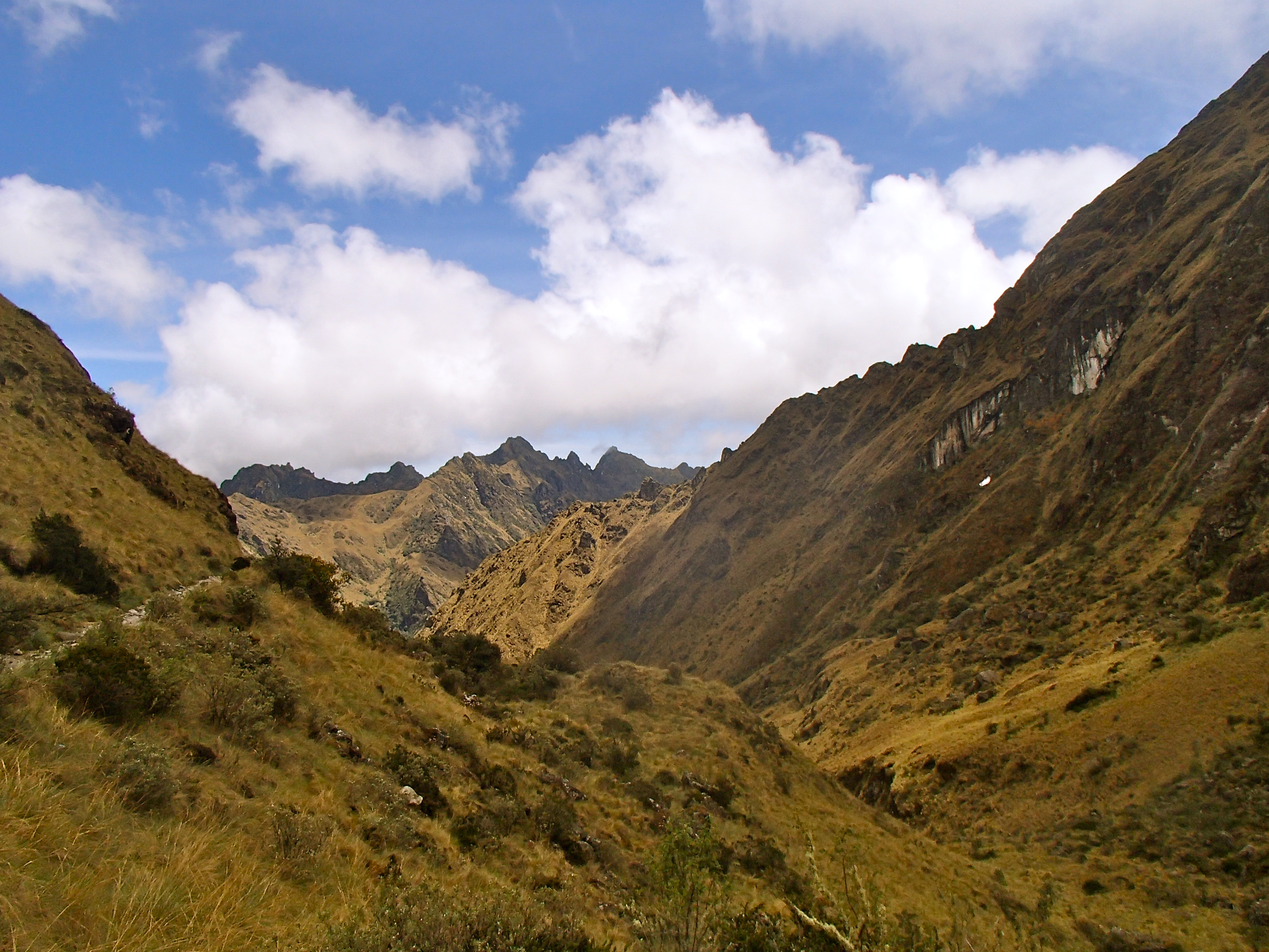 how hard is the inca trail? peru hiking travel blog