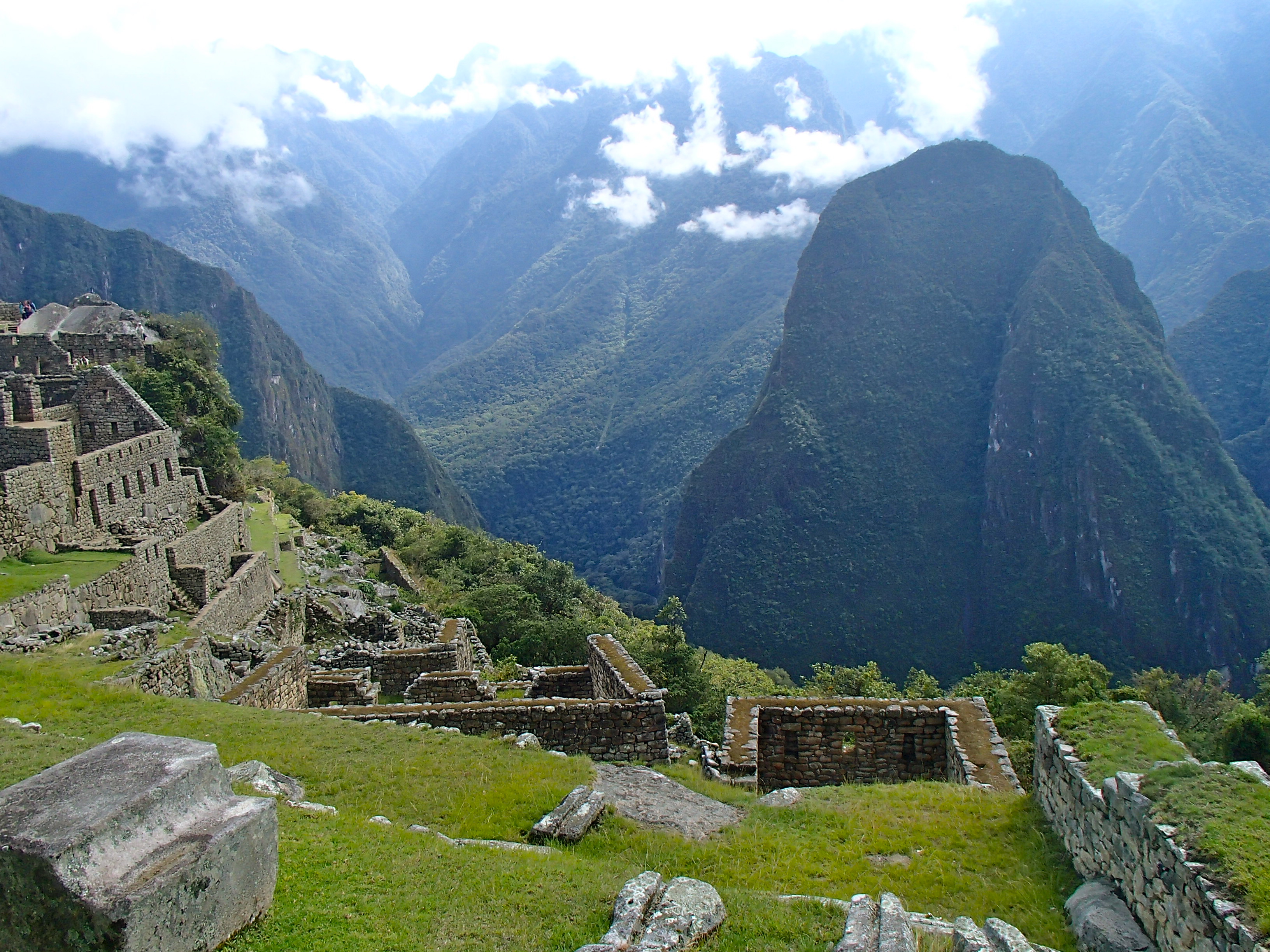 visiting machu picchu from cusco how to get to machu picchu peru trekking tours