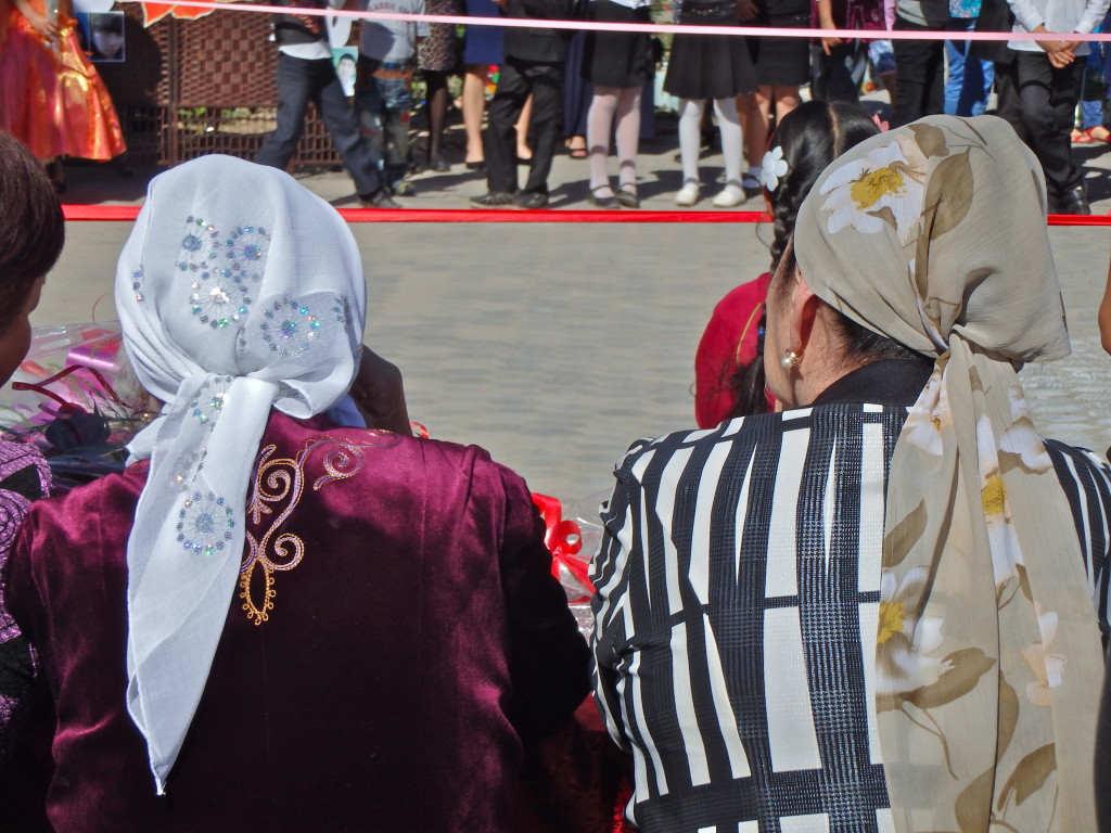 Kyrgyz women, Kyrgyzstan culture, Kyrgyzstan tradition