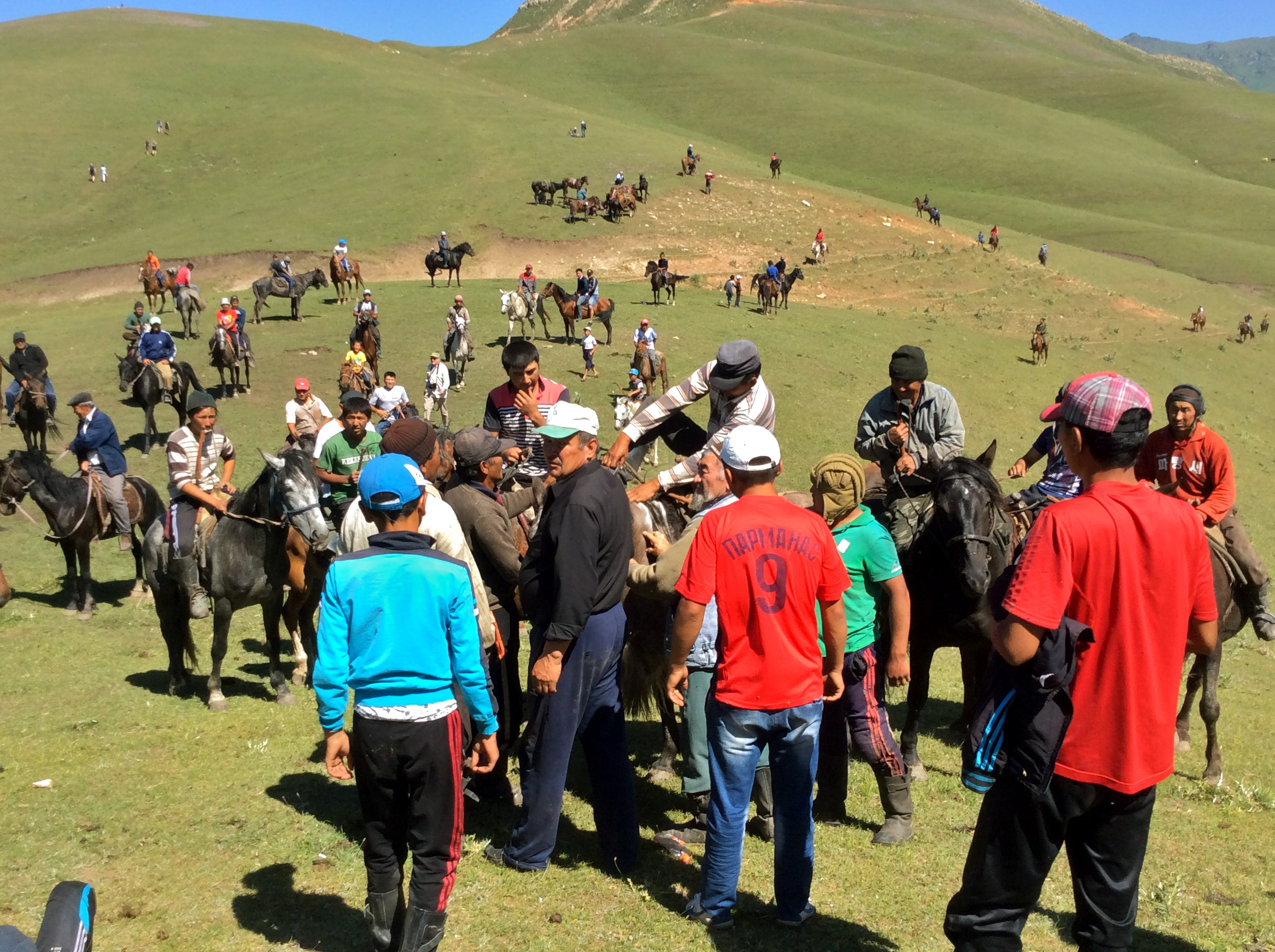 Kyrgyzstan-culture-nomad-tradition-horse-games