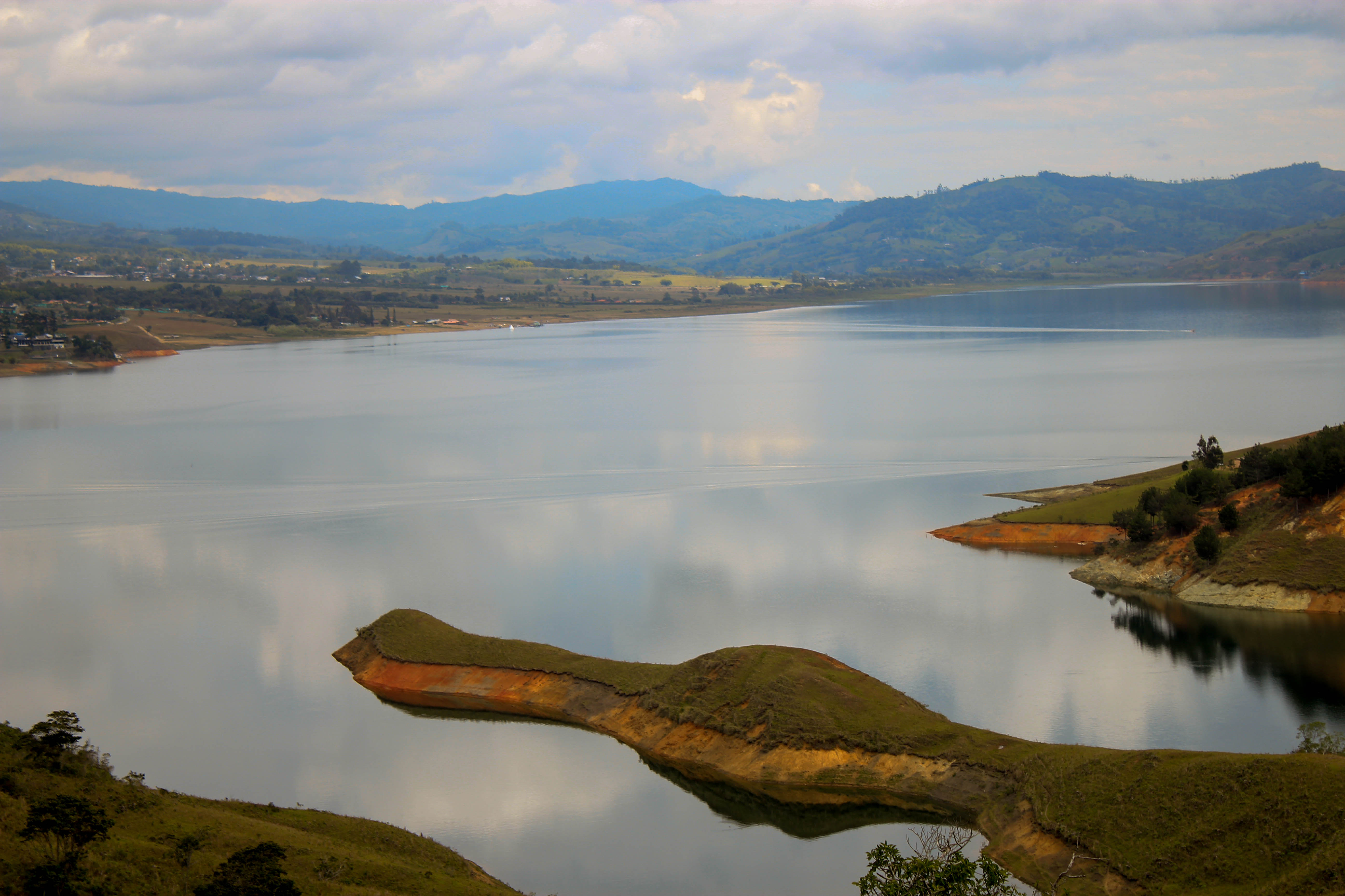 lake calima top places to travel in Colombia
