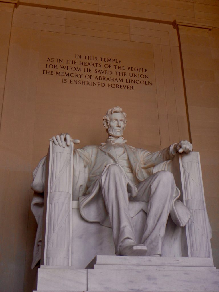 lincoln memorial washington DC national mall best places to visit in Washington DC historical attractions in DC