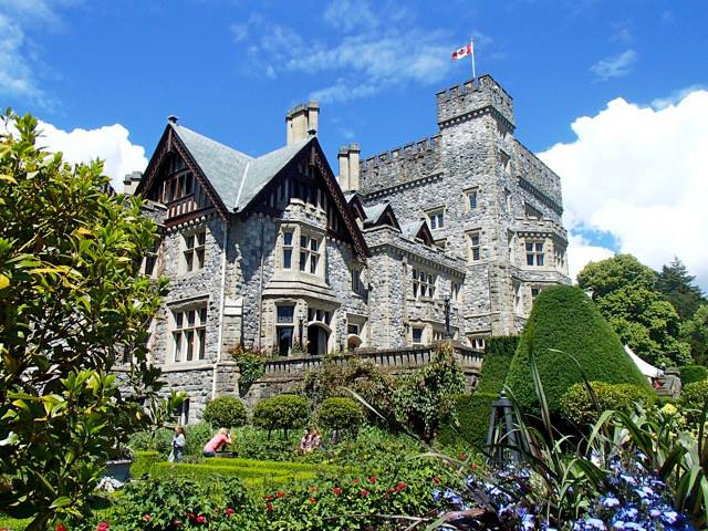 hatley castle national historic sites in Victoria Canada tour royal roads university